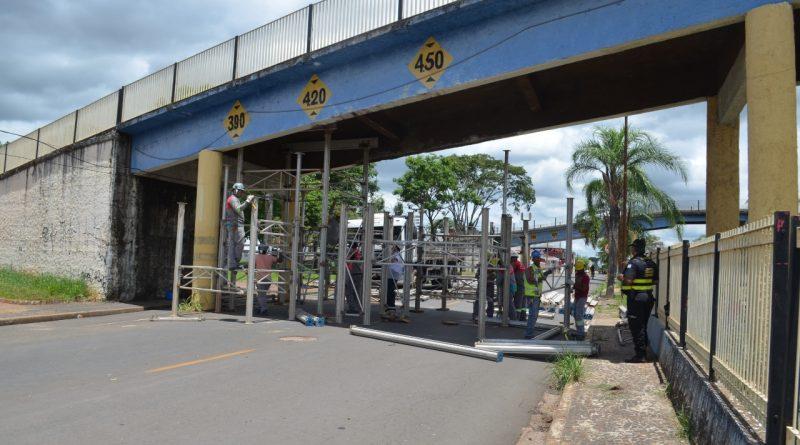Escoramento do Viaduto da Rua Joaquim José é iniciado