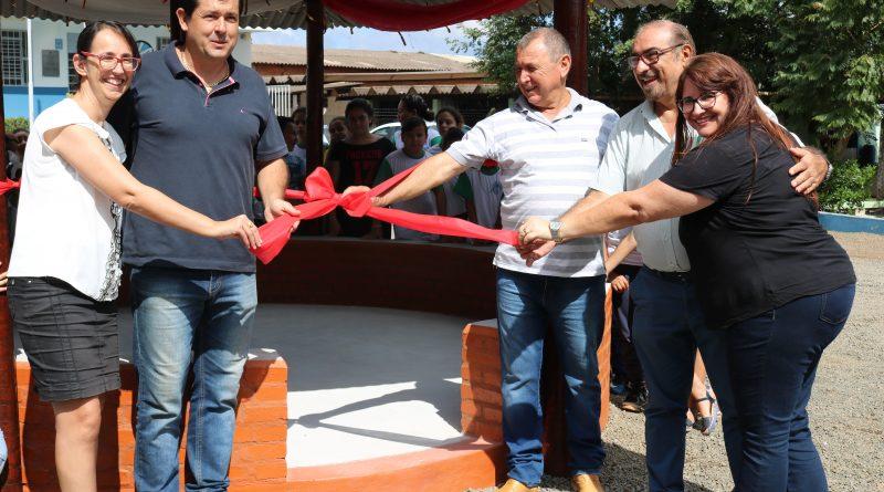 Escola João Silva inaugura quiosque e estufa da horta